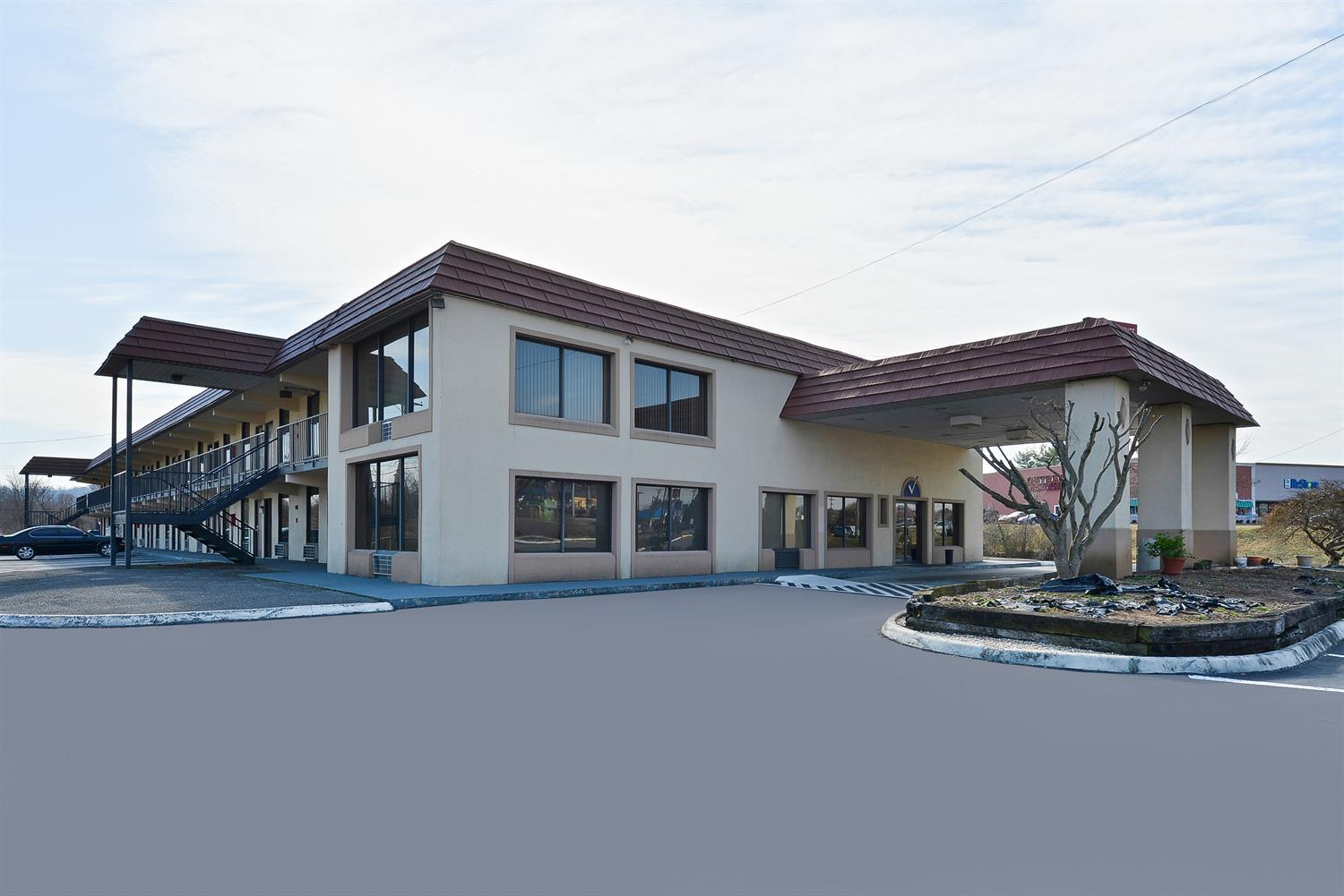 Exterior view - Americas Best Value Inn & Suites Knoxville