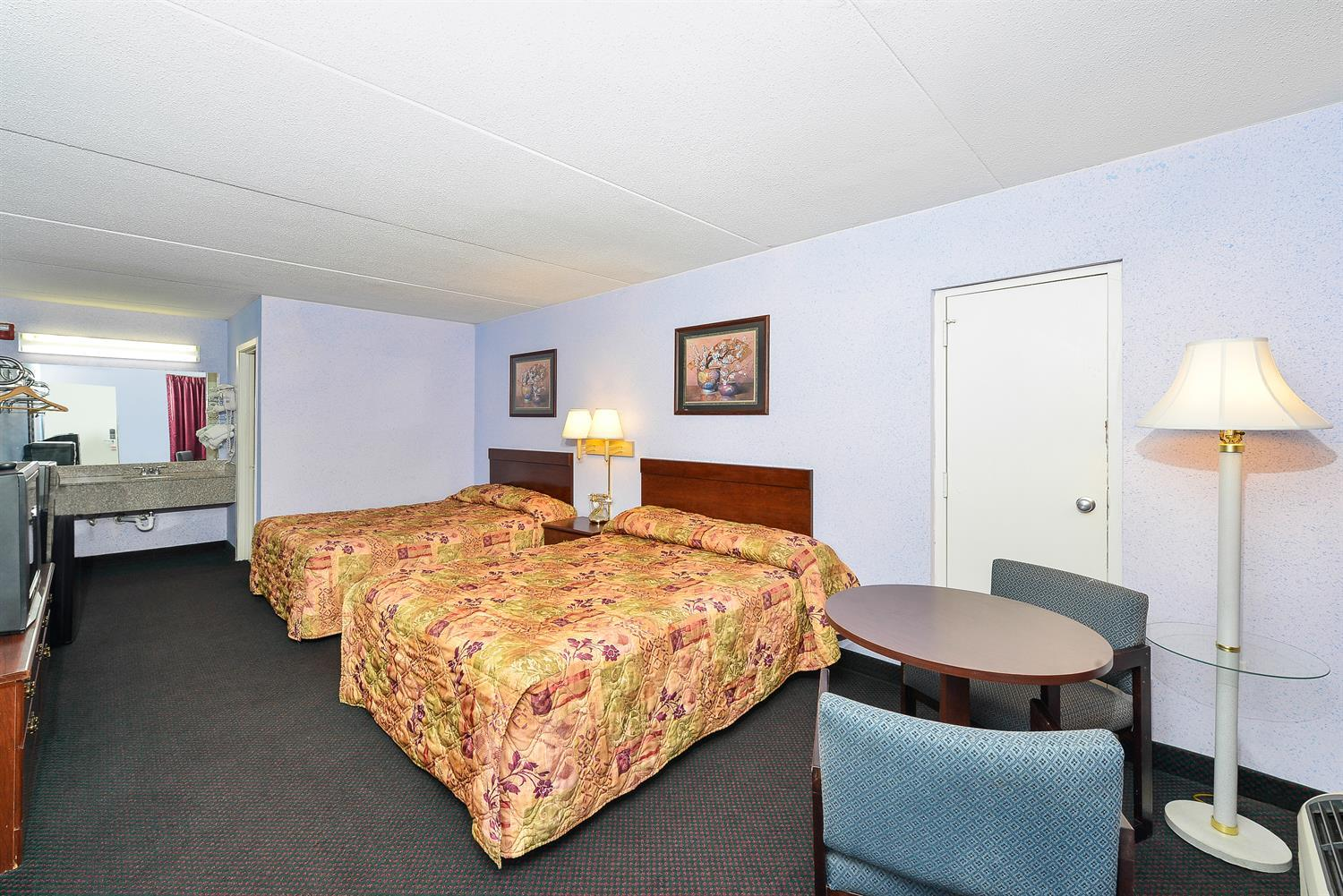 Room - Americas Best Value Inn & Suites Knoxville