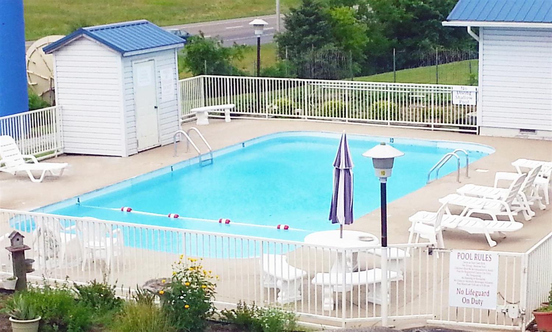 Pool - Americas Best Value Inn Kodak