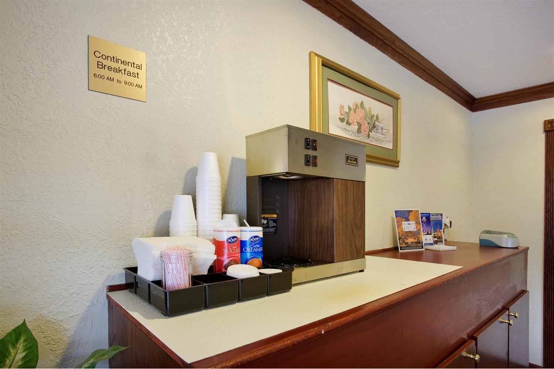 proam - Americas Best Value Inn Central Nashville