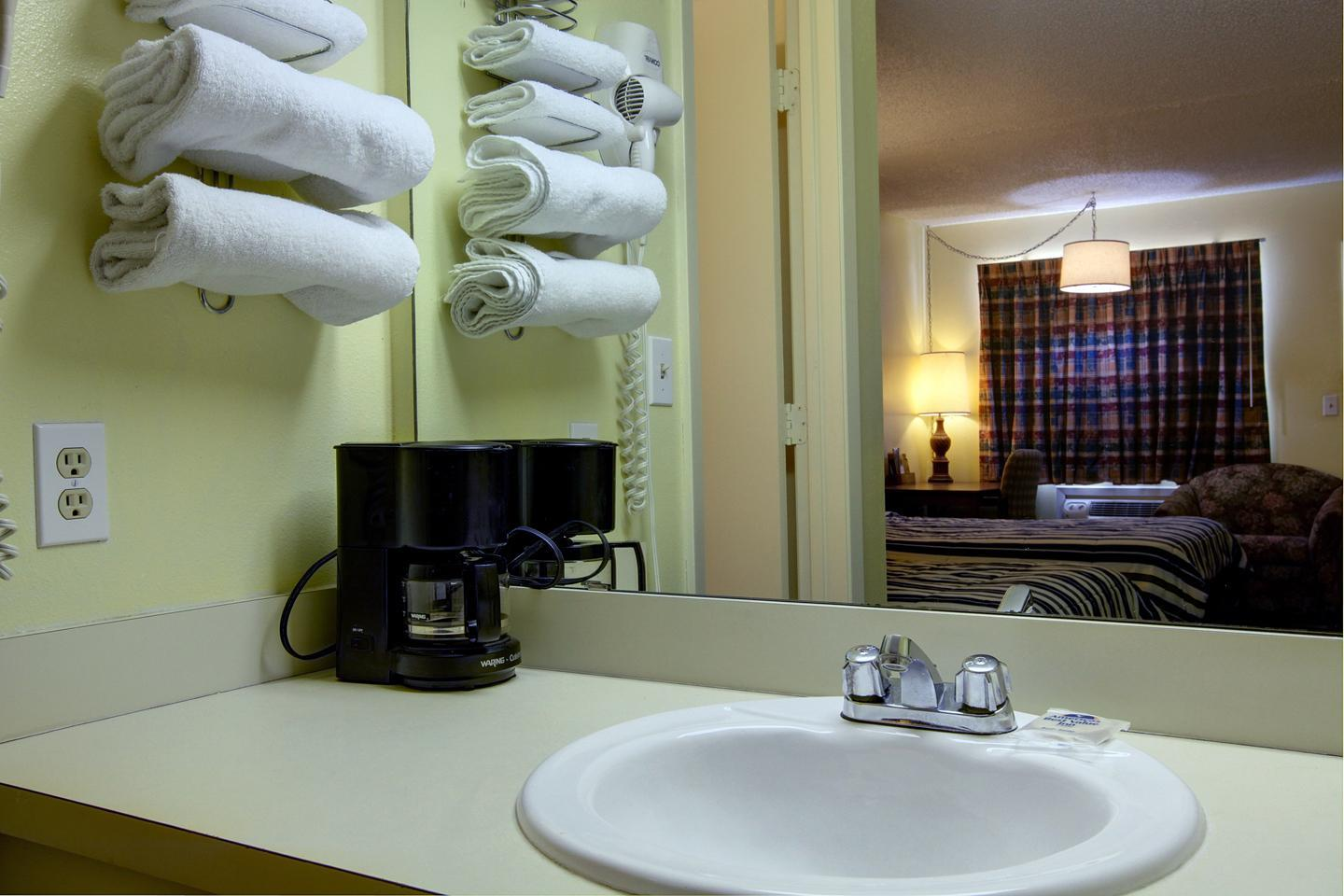 Room - Americas Best Value Inn Comanche