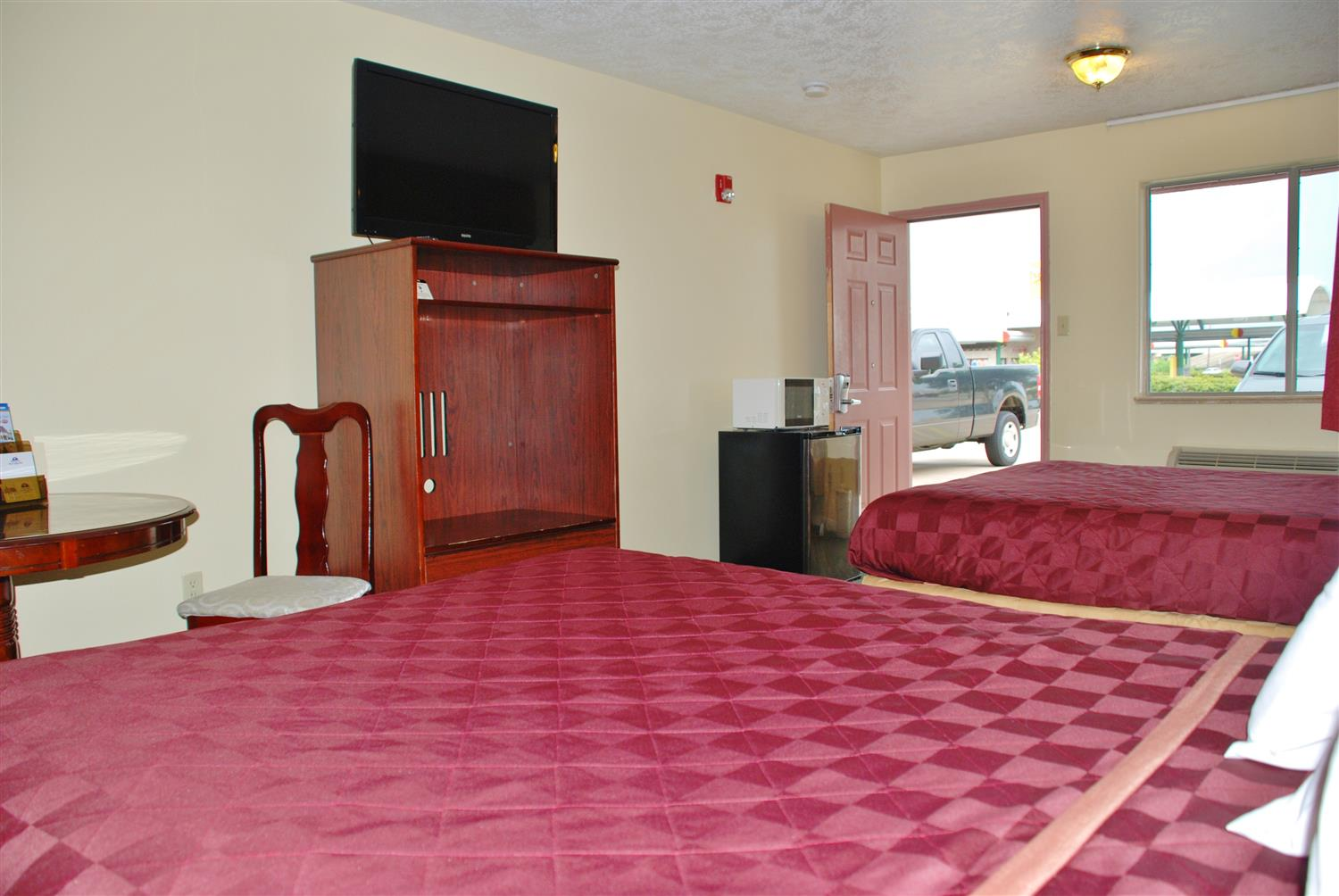 Room - Americas Best Value Inn & Suites Hempstead