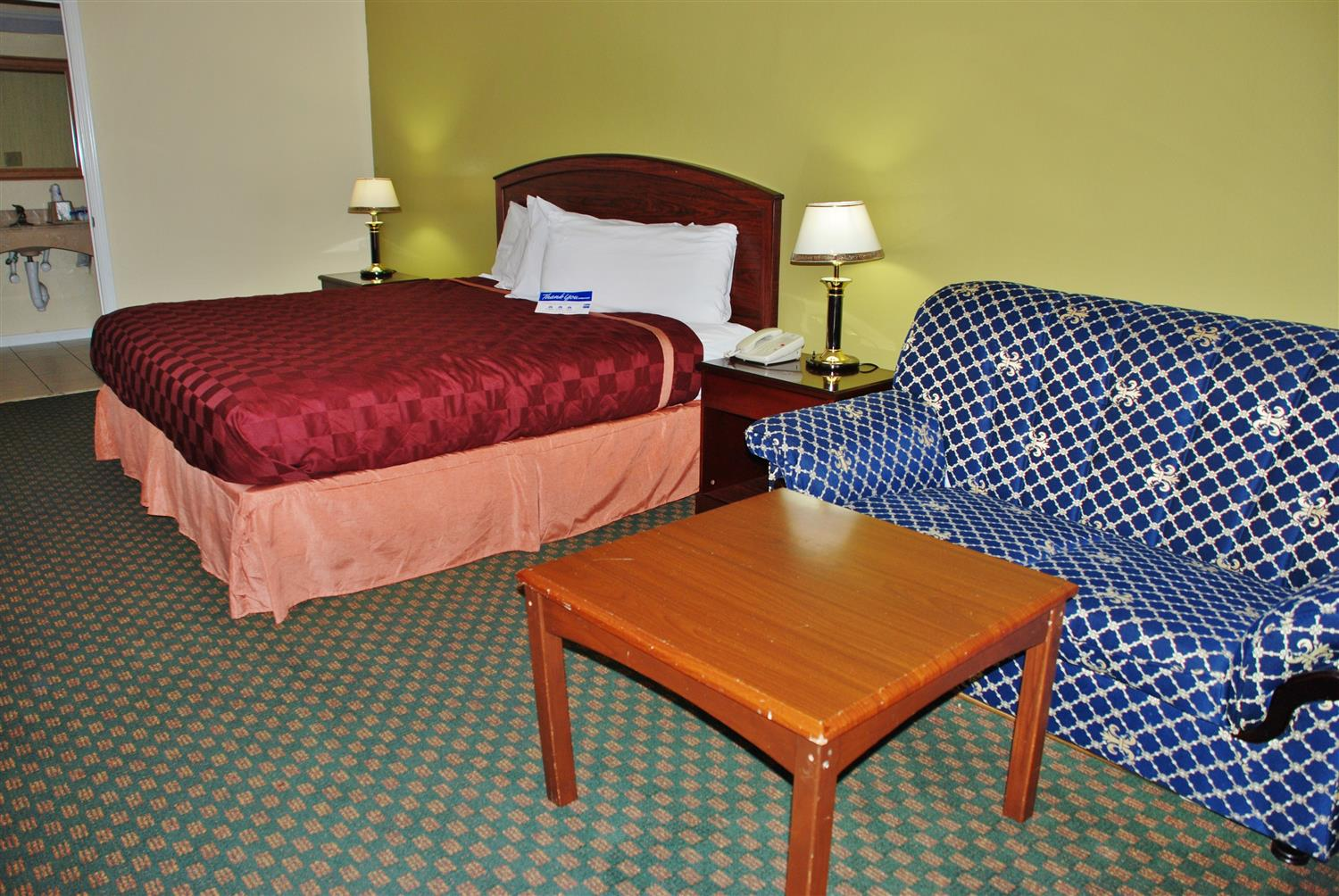 Suite - Americas Best Value Inn & Suites Hempstead