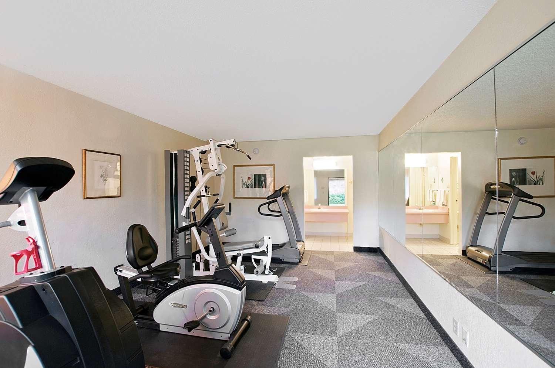 Fitness/ Exercise Room - Americas Best Value Inn Hurst