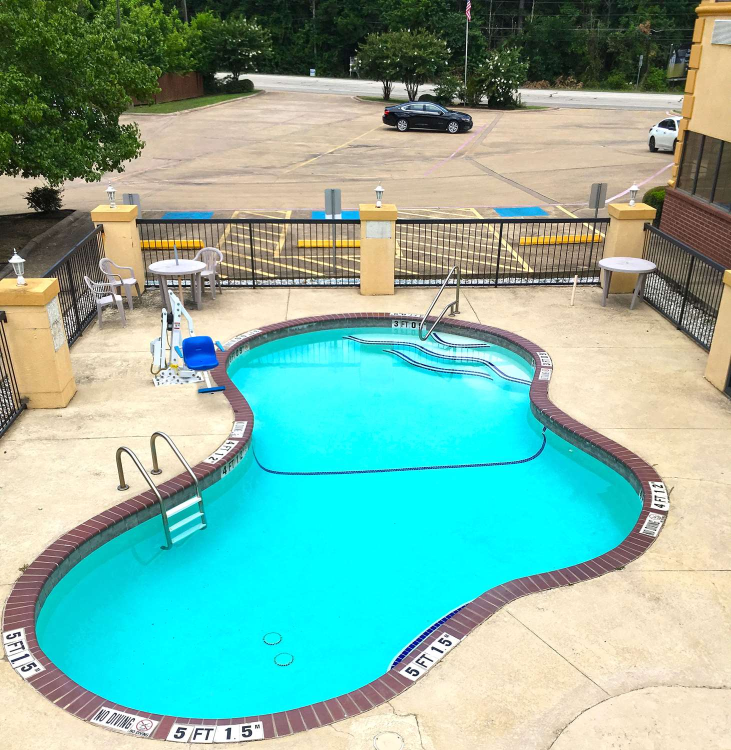 Pool - Americas Best Value Inn & Suites Kilgore