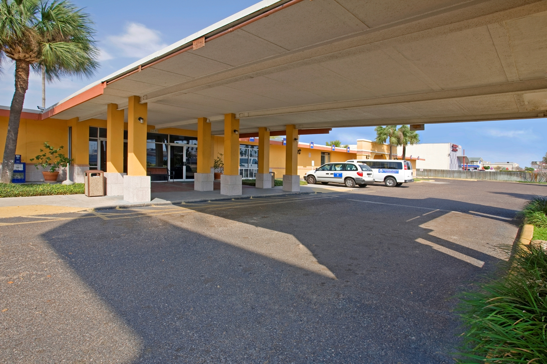 Hotel Americas Best Value Inn Laredo