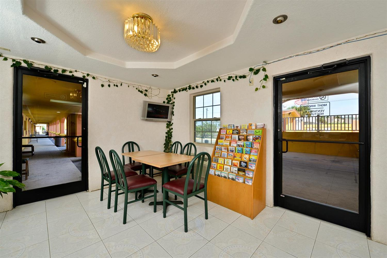 Lobby - Americas Best Value Inn Port Aransas