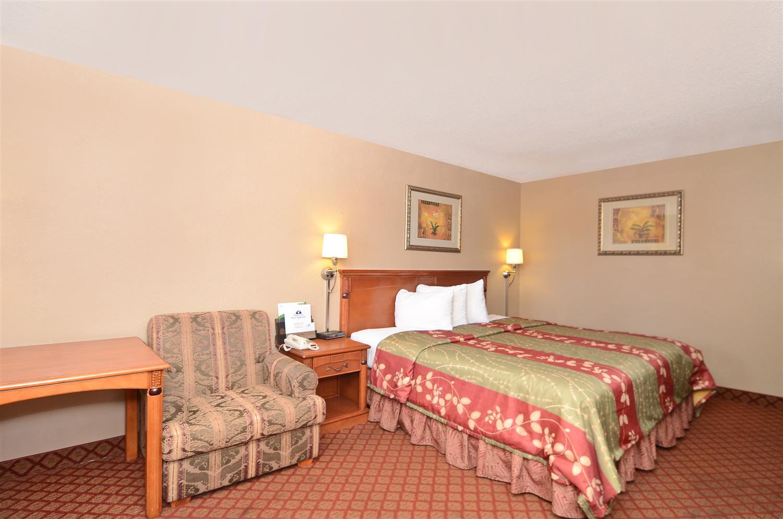 Room - Americas Best Value Inn Stephenville
