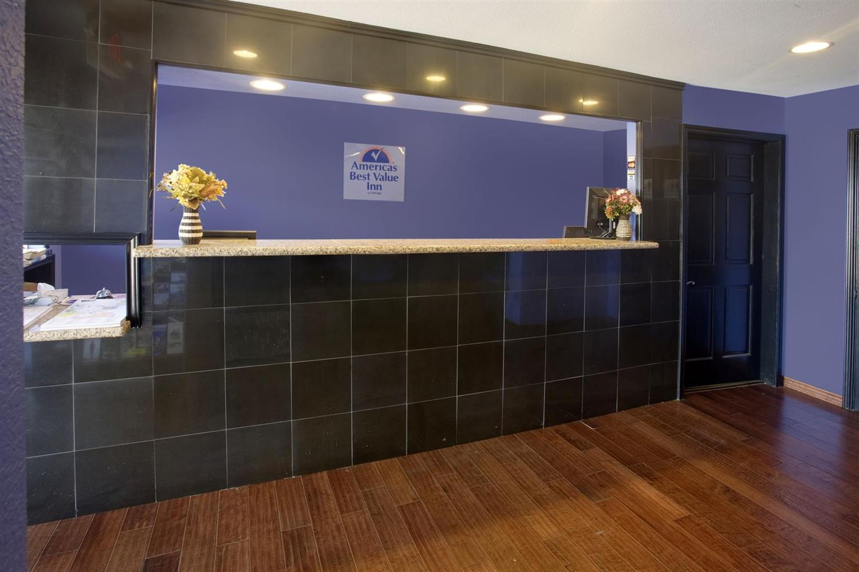 Lobby - Americas Best Value Inn Waco