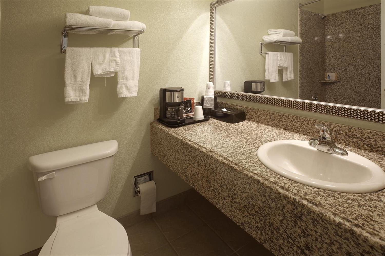 Room - Americas Best Value Inn Waco