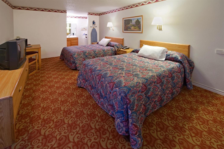 Room - Americas Best Value Inn Weatherford