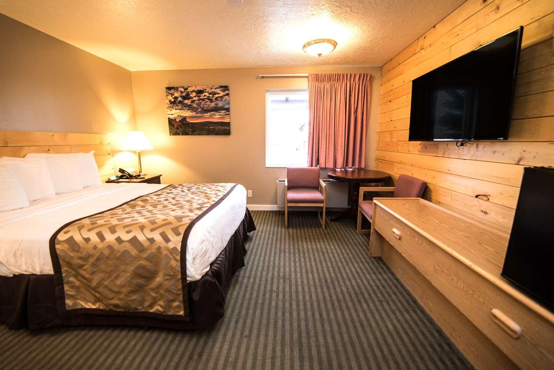 Room - Red Ledges Inn Tropic
