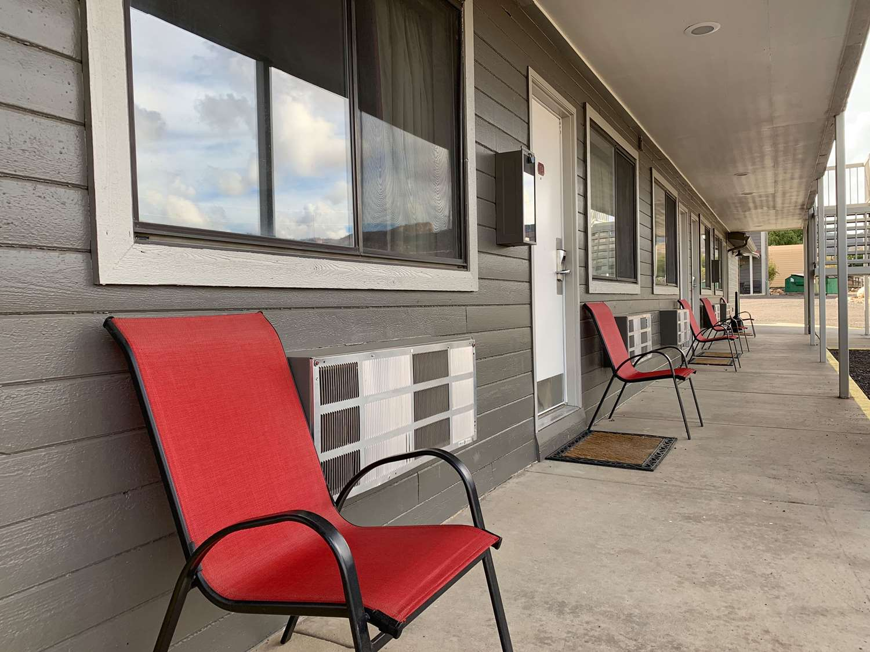 Exterior view - Red Ledges Inn Tropic