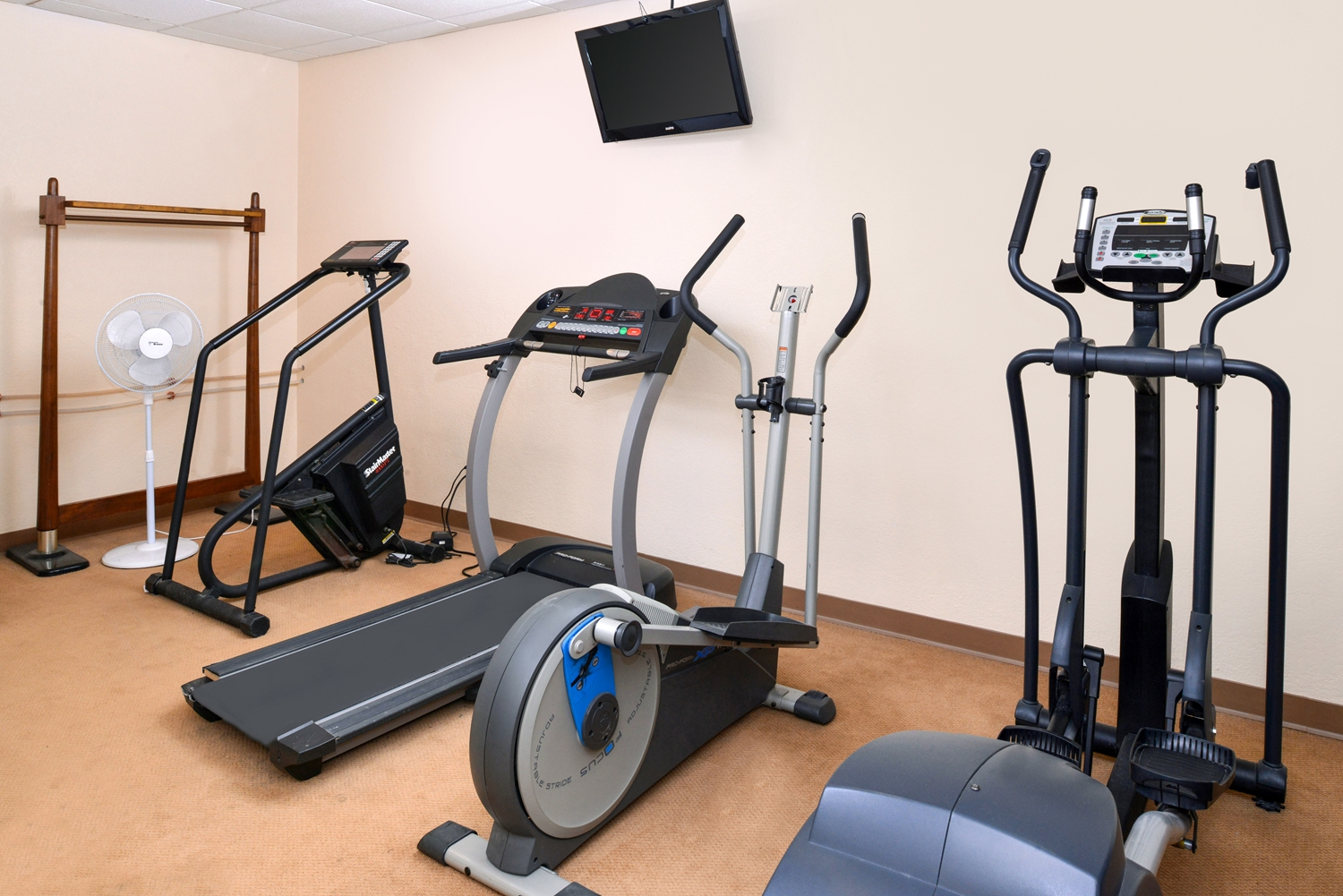 Fitness/ Exercise Room - Americas Best Value Inn Eau Claire