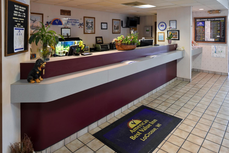 Lobby - Americas Best Value Inn La Crosse