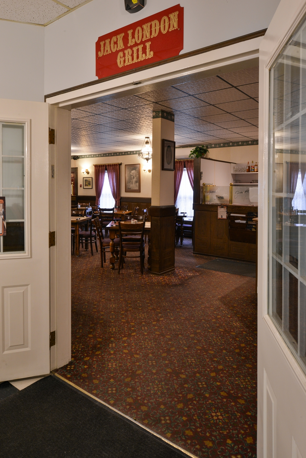 Restaurant - Canadas Best Value Inn - Downtown Hotel Dawson City
