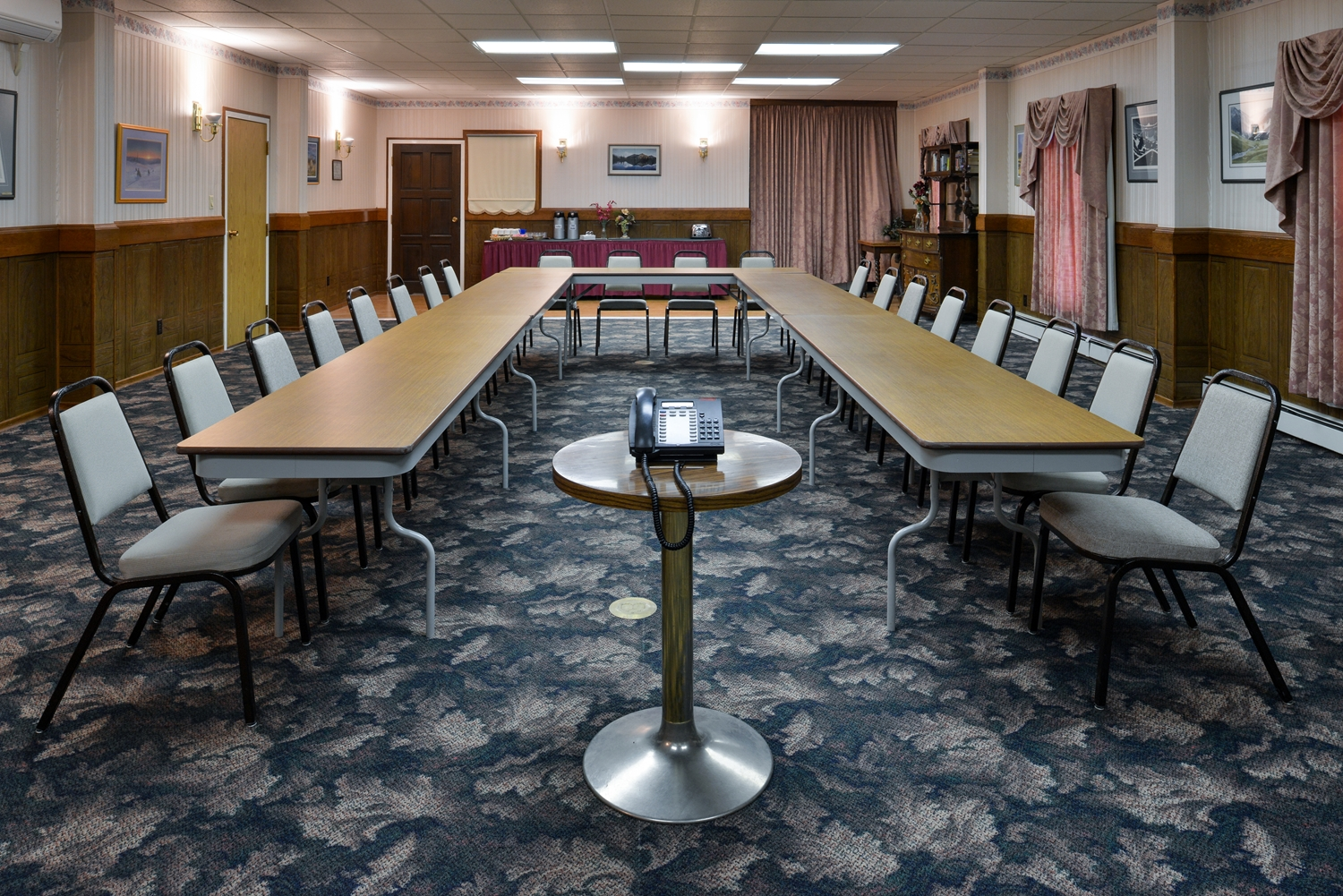 Meeting Facilities - Canadas Best Value Inn - Downtown Hotel Dawson City