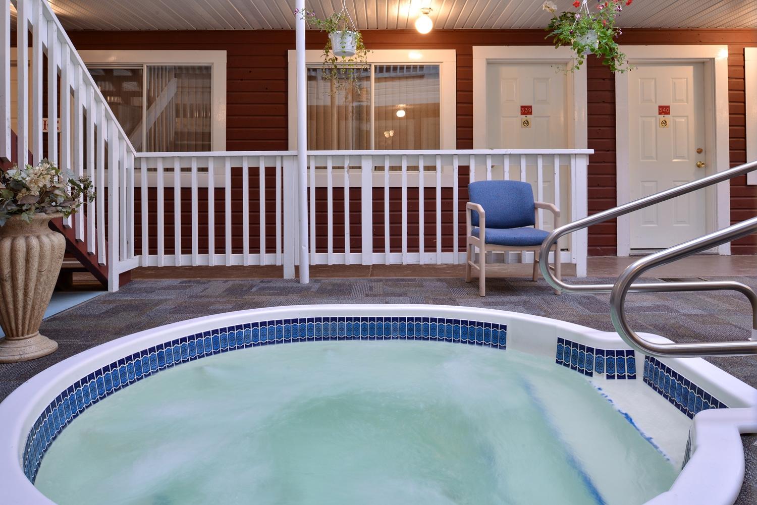 Spa - Canadas Best Value Inn - Downtown Hotel Dawson City