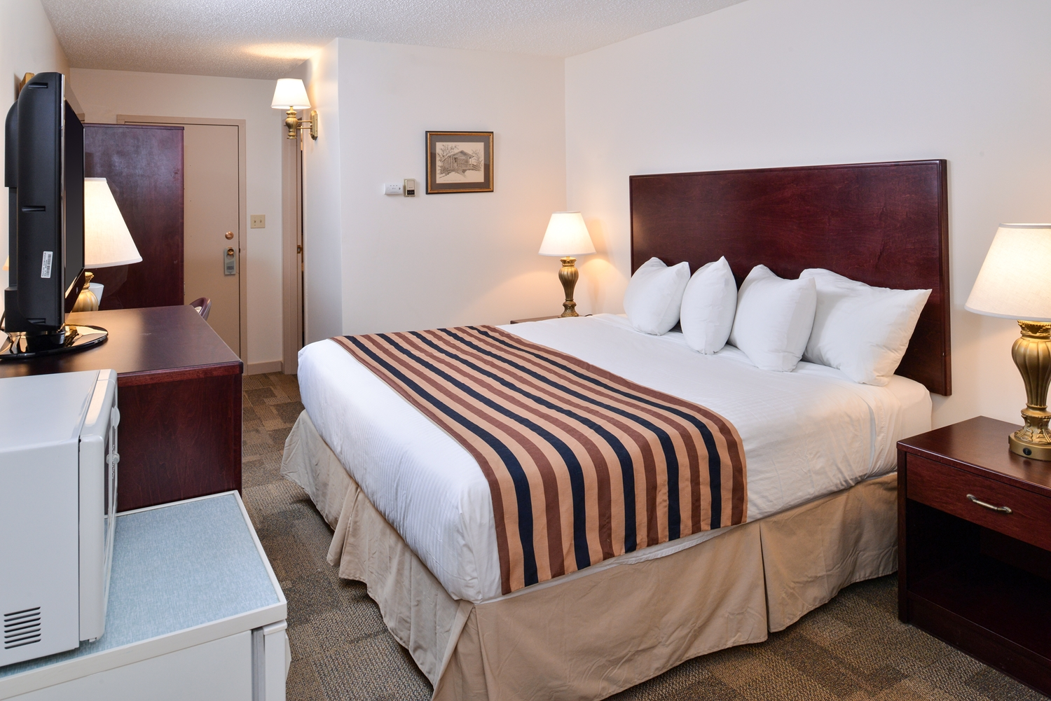 Suite - Canadas Best Value Inn - Downtown Hotel Dawson City