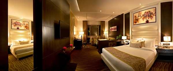 Hotel GOLDEN TULIP BHIWADI - Suite