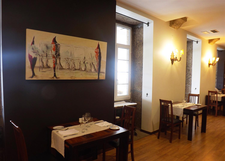 Restaurant & Bar