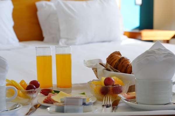 Hotel GOLDEN TULIP BRAGA - Standard Quadruple Room
