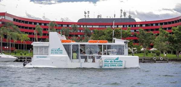 Passeio Turístico de Barco no Lago Paranoá