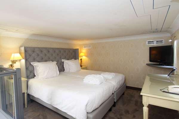Hotel GOLDEN TULIP CANNES HOTEL DE PARIS - Superior Room