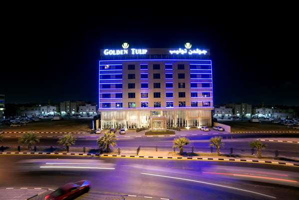 View of the hotel Dammam GOLDEN TULIP CORNICHE DAMMAM. The hotel includes the following equipment: Pool indoor, Air condition available, Parking, Secure parking, Public area free wifi.