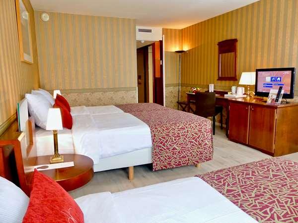 Hotel GOLDEN TULIP HOTEL DE MEDICI - Standard Room Triple