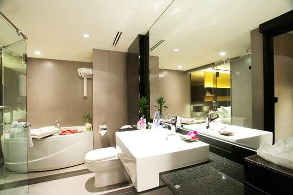 โรงแรม GOLDEN TULIP MANDISON SUITES - Grand Residence Suite