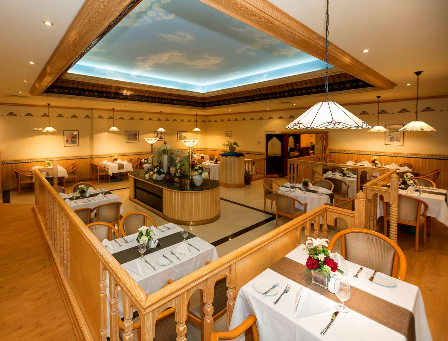 مطعم - Hotel Golden Tulip Nizwa