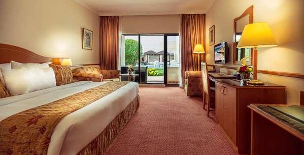 فندق فندق GOLDEN TULIP NIZWA - Standard Room Pool View
