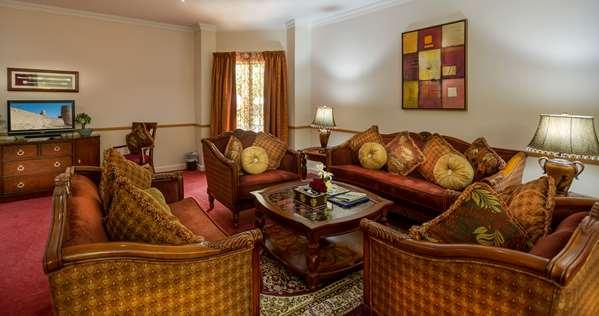 فندق GOLDEN TULIP NIZWA
