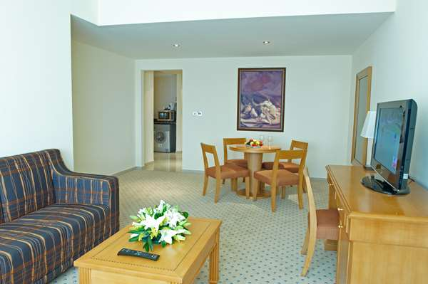 Hotel GOLDEN TULIP SHARJAH - Suite 2 Bedrooms