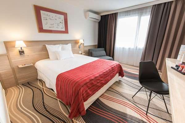 4 star hotel GOLDEN TULIP TROYES
