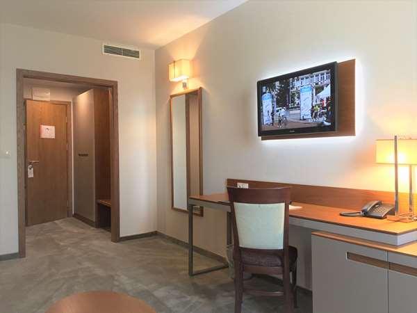 Хотел Хотел GOLDEN TULIP VARNA - Апартамент