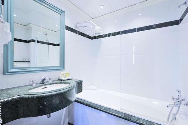 Hotel GOLDEN TULIP HOTEL WASHINGTON OPERA - Superior Room