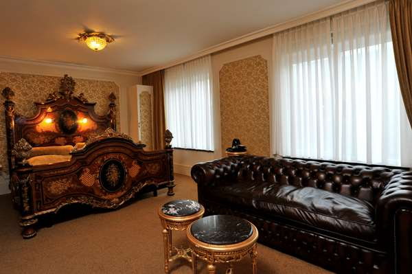 Hotel GOLDEN TULIP WEST ENDE - Theme Suite