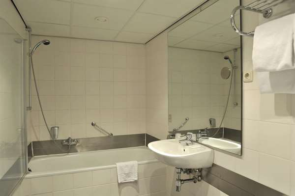 Hotel TULIP INN HEERLEN CITY CENTRE - Standard  Room 2 Single Beds