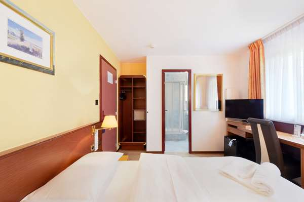 Hotel TULIP INN LAUSANNE BEAULIEU - Standard Triple Room