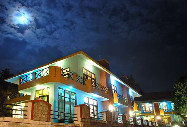 View of the hotel Mussoorie TULIP INN MUSSOORIE BARLOWGANJ. The hotel includes the following equipment: Parking.