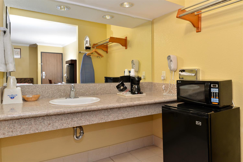Room - Americas Best Value Inn Pasadena