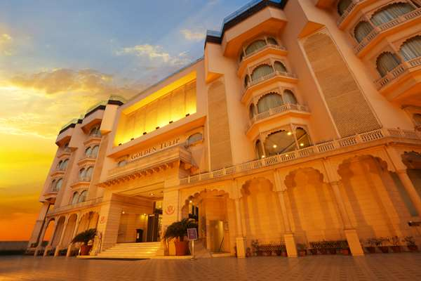 View of the hotel Jaipur GOLDEN TULIP JAIPUR. The hotel includes the following equipment: Parking, Air condition available, Public area free wifi.