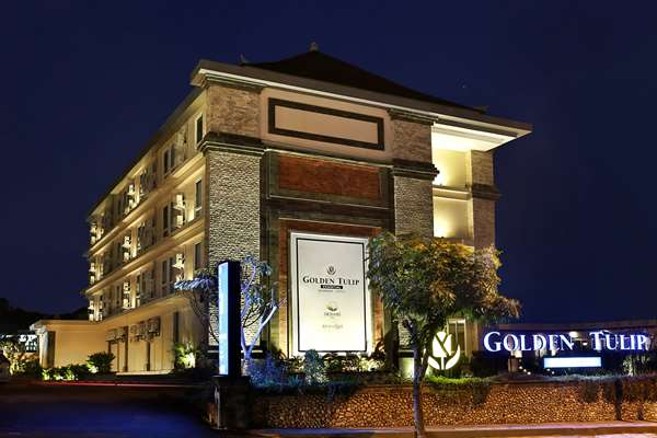 View of the hotel Denpasar GOLDEN TULIP ESSENTIAL DENPASAR. The hotel includes the following equipment: Parking available for a fee, Air condition available.