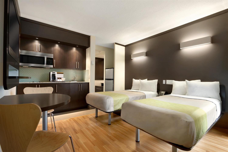 Room - Studio 6 Suites Toronto