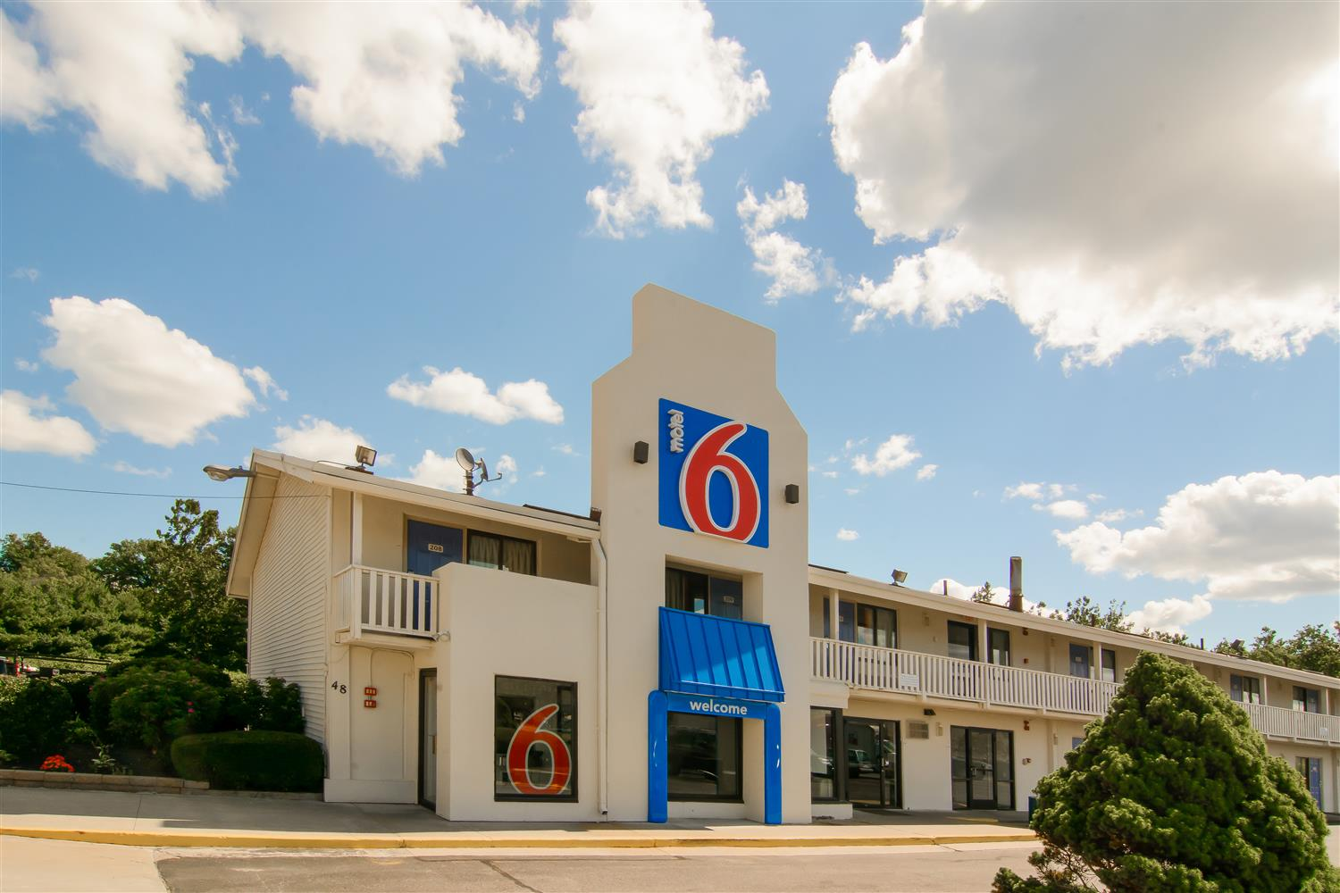 Motel 6 Leominster MA