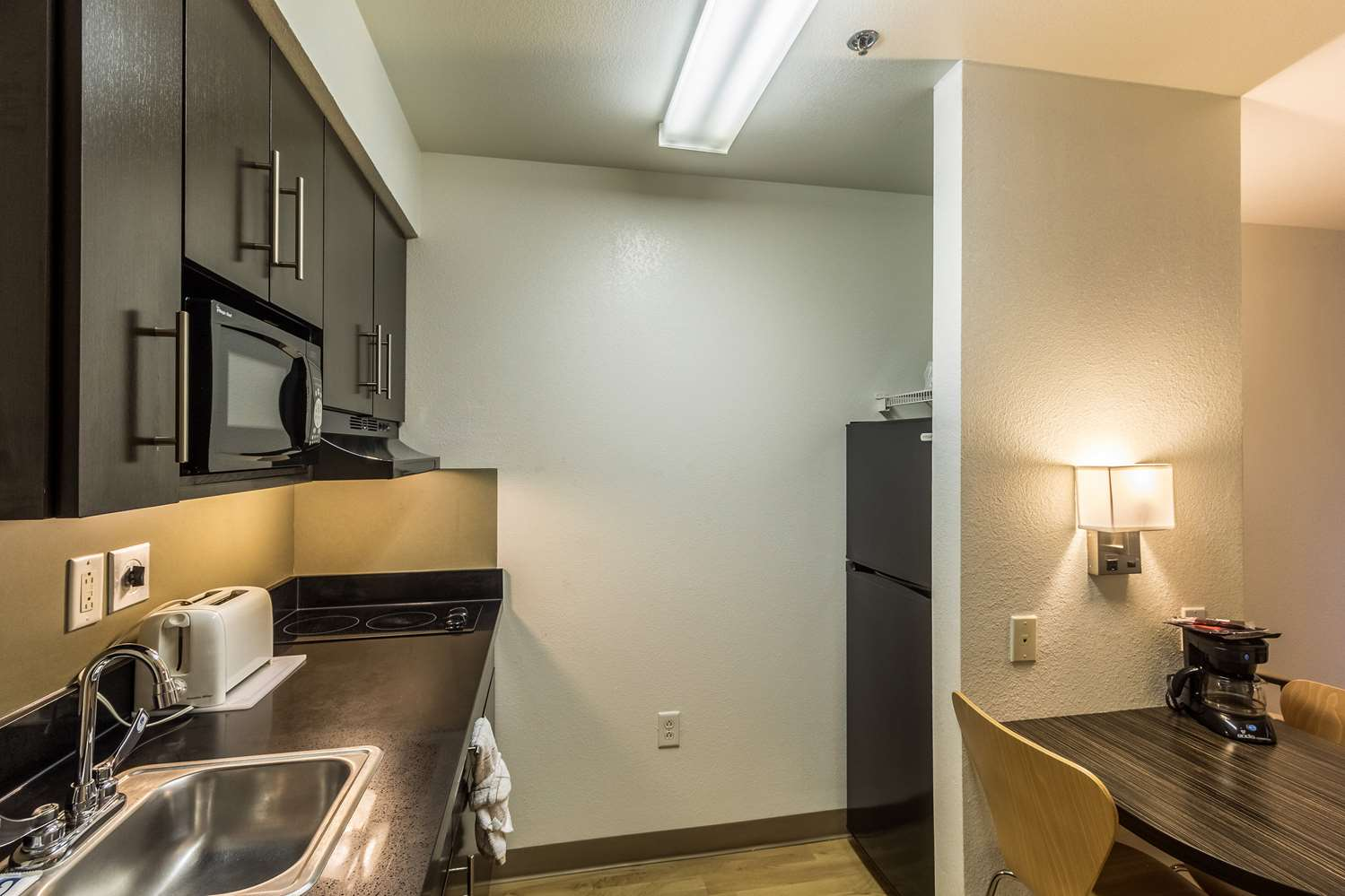 Amenities - Studio 6 Extended Stay Hotel McAllen
