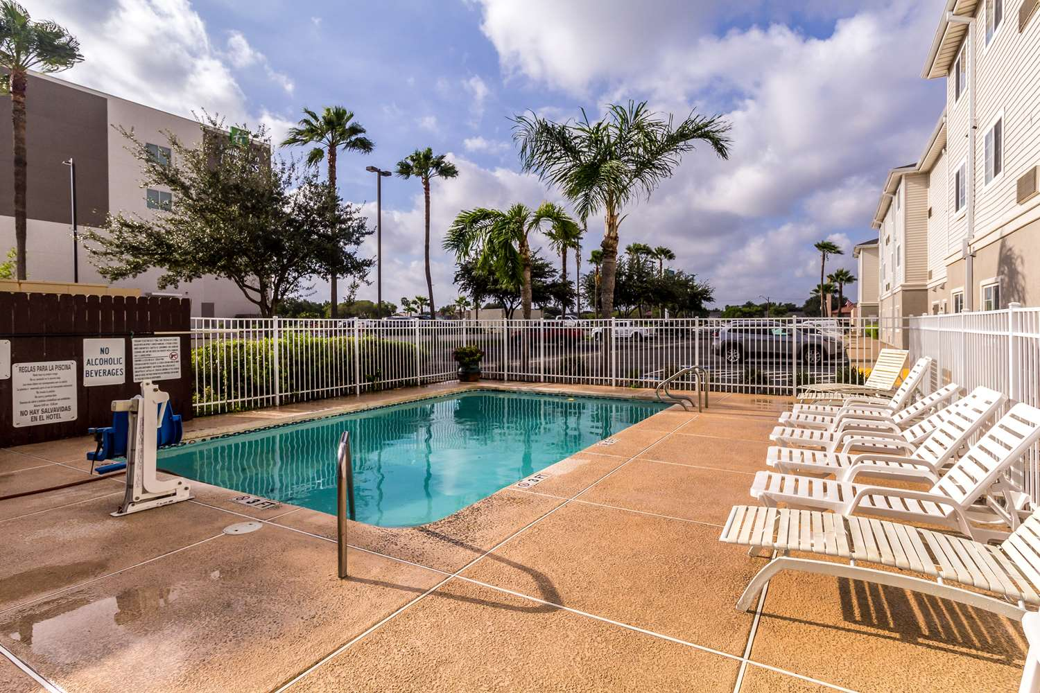 Pool - Studio 6 Extended Stay Hotel McAllen