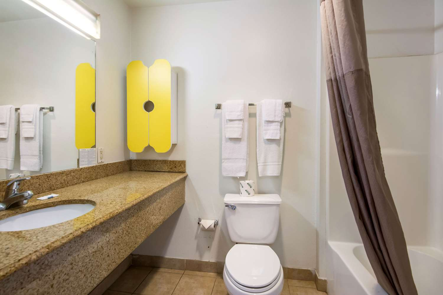 Room - Studio 6 Extended Stay Hotel Beaumont
